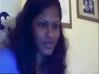 colombo chick playing on webcam