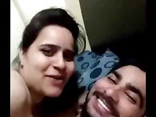 Desi Urdu speaking paki girl says '_gande na banao'_