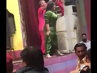 boob shake dance