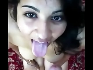 DESI INDIAN GIRL BLOWJOB FUCK AND CUIMSHOTS SQUIRTING ROUGH SEX SCREAMING