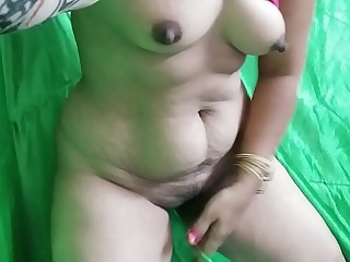 Indian Aunty Tight Figure  36 : 24 : 36