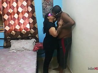 Indian bhabhi hard fucking sex with ex lover in absence of her husband
