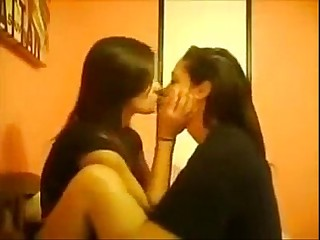 Desi Indian College Girls Lesbian Kissing MMS (360p)(low)