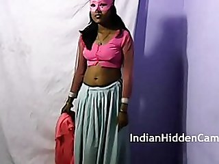 Indian solo striptease